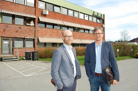 SATSER I SKI SENTRUM: Carl Henrik Graff (til venstre) og Lars Eirik Fjeld i Stor-Oslo Eiendom utgjør prosjektledelsen for Ski.