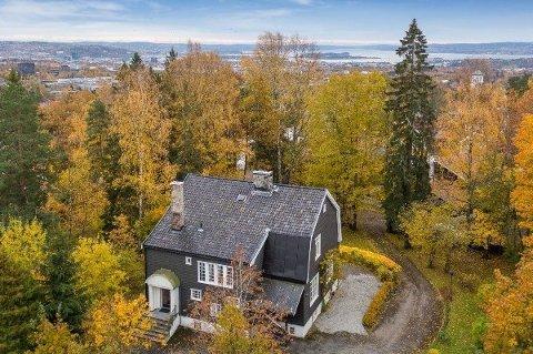 HEMING-LAND: Villaen ligger ovenfor Slemdal, ved Gråkammen, i såkalt Heming-land.
