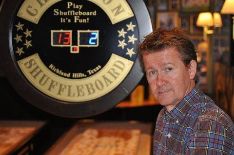 GJØR DET GODT MED RESTAURANTEN: Geir Sjøvold er en av to som driver O'Learys på Kolbotn. Selv om han hadde høy årsinntekt i fjor, var det ikke restauranten lønnen kom fra. Han er svært opptatt av å investere pengene fra den suksessrike restauranten tilbake i drift og investeringer for fremtiden.