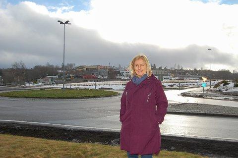 NY JORD: Å flytte all dyrka mark som ligger der E18 skal bygges, blir en veldig stor jobb, påpeker prosjektleder Anne-Grethe Nordahl.