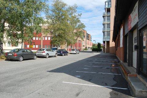 P-PLASSER TIL LEIE: Stor-Oslo Eiendom har merket opp 18 parkeringsplasser i Sentrumveien 10. Noen av dem er allerede leid ut.