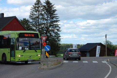 Om to måneder er det klart for buss for tog igjen. Her fra i fjor sommer.