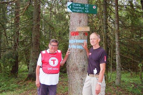 NYTT NAVN, FLERE TURER: Arne Norum (til venstre) og Harald Bøhn i Nordre Follo turlag lover enda flere turer og tilbud nå som turlaget har utvidet til også å omfatte Ski.