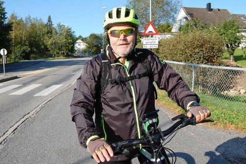 ELSYKKELPENDLER: Tom Torstensen velger elsykkelen så ofte som mulig når han skal fra Ski til Spydeberg på jobb.