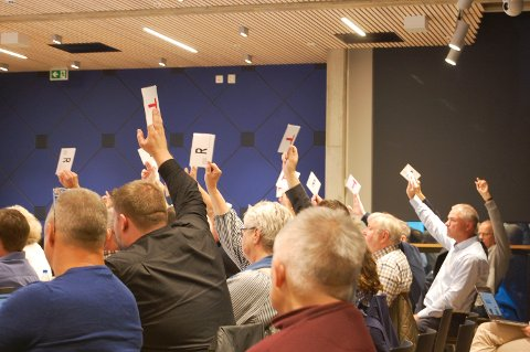 VEDTATT: Med 21 mot 20 stemmer godkjente kommunestyret i Ski avtalen som er forhandlet frem mellom kommunen og de to eierne av det 37 mål store Arnejordet.
