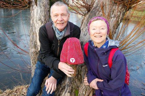 FRIVILLIGE FOR SIN LUE: Terje Thurmann-Moe og Guri Drottning Aarnes er to av dem som bruker av sin tid på ås turlag, Nå trenger de flere krefter med på laget.