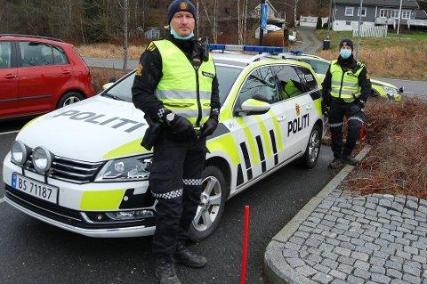 PÅ VEIENE OM DAGEN: UP har tatt 400 førerkort i Follo og Indre Østfold hittil i år. UP-leder Rune Dahl og makkeren Jonas blit å finne på veiene også kommende helg.