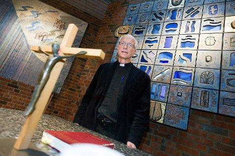 NYE TILTAK: Også i kirken merker man korona. Prost i Nordre Follo Prosti, Sven Holmsen, forteller om kirkens nye tiltak.
