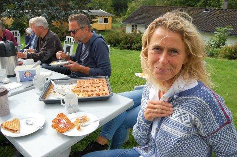 KLER DNT: Anne Margrethe Langhus møtte opp til lunsjen på Breivoll i jubileumskofta som ukebladet Familien fikk spesialdesignet til DNTs 150-årsjubileum i 2018.