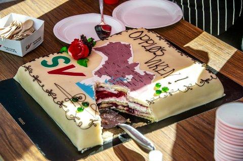 I valgkampen fikk SV laget en Viken-kake som ble spist opp. Hva som skjer med fylkeskommunen til slutt, gjenstår å se.