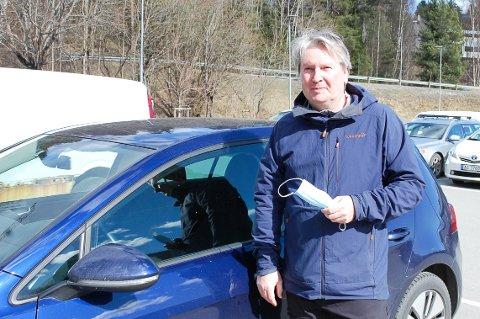 KLAR FOR TO NYE UKER: Morten Næss (54) fra Langhus tar forlengelsen av de regionale koronarestriksjonene også i Nordre Follo, på strak arm.