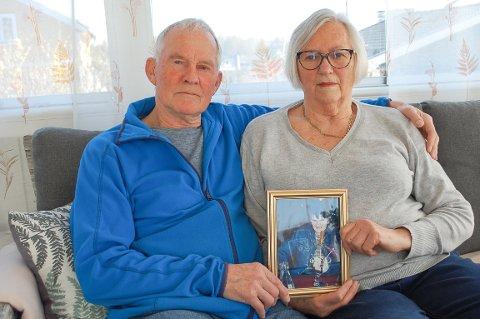 KOMMER IKKE PÅ TALE: Harry (81) og Else Britt (77) Lystad går ikke med på at datteren Anne Lise må ut etter 30 år i bofellesskapet på Langhus.