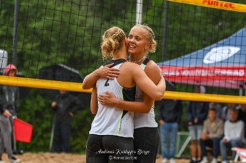 Norgesmester Eiril Jensen Isachsen fra forrige ukes Norgesmesterskap, her med makker Maja Windelstad.
