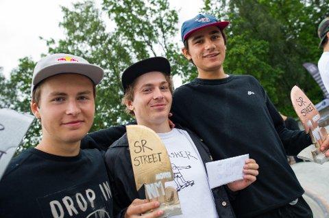 TOPP TRE: Gard Hvaara (f.v.), Hermann Stene og Didrik Galasso sørget for at det kun ble larvikinger på toppen av seierspallen under skate-NM i Fredrikstad.