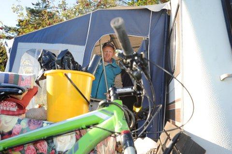 Drar: Nå pakker Torgeir Larsen ned teltet, lar sykkelen få hvile og stikker utenlands, i hele fem år. Foto: Nils-Erik Kvamme