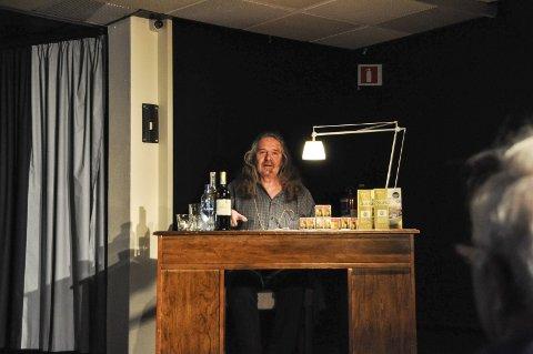ELLING: Ingvar Ambjørnsen har latt Elling utgi dikt og kommer snart med ny roman om den populære figuren.