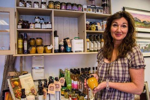 OPPGITT: – Skikkelig surt, sier Aase Strand om torsdagens hendelse i butikken hennes.