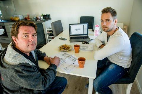 Svein Sørum (t.v.) og Mattias Holmbäck har brukt mye tid på å sette seg inn i saksdokumentene, og har formulert en nabomerknad som er oversendt byggesaksavdelingen i kommunen.