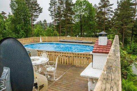 ULOVLIG: Planutvalget har konkludert med at dette svømmebassenget må rives.