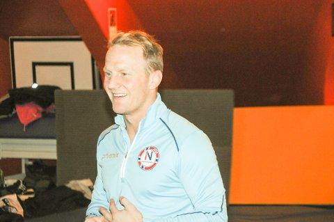 Inspirator: Stig-Andre Berge er blant verdens beste brytere. Tirsdag ettermiddag var han i Boligmappa Arena blant annet for å motivere utøverne i Larvik bryteklubb.