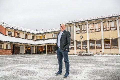 HAR NULLTOLERANSE: Rektor Gjermund Holt vil mobbingen til livs. – Det skal vi jobbe mot, og det skal vi aldri gi oss på, sier han.