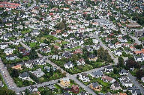 Sunt boligmarked? Larviks boligmarked har hatt et normalår, mens man andre steder i landet har opplevd prisnedgang. Meglerne i Larvik tror heller ikke 2018 vil by på store nedturer for huseierne i Larvik.
