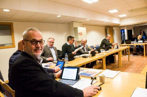LANGE DAGER: Ordfører Rune Høiseth tjente 988.000 kroner i 2017, men har til gjengjeld arbeidsdager som ofte varer både 12 og 13 timer.