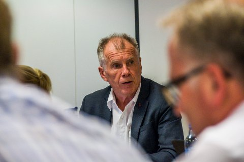 Diskuterer lønn: Ansettelsesutvalget innstiller på å tilby Jan Arvid Kristengård en årslønn på 1.370.000 som rådmann i nye Larvik kommune.