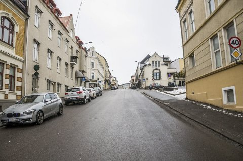 BAKKEVANDRING: Det må da være greit å like bakkene i Larvik samtidig som man liker Brygga i Tønsberg.
