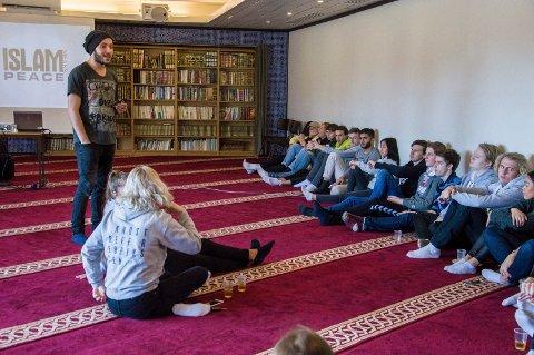 Emad Salha og moske med thor heyerdahl vgs