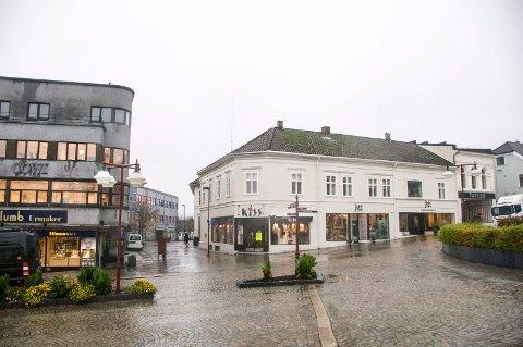 Torp anbefaler sterkt at vi får laget en designmanual for gater og bebyggelse i Larvik sentrum.