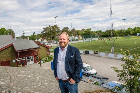 Foreslår Kaken: Even Borvik tror Kaken kan være en vel så god skoletomt som Brunla. – Toget er ikke gått for å finne en annen plassering for den nye Stavern-skolen, sier lederen av kultur- og oppvekstkomiteen.