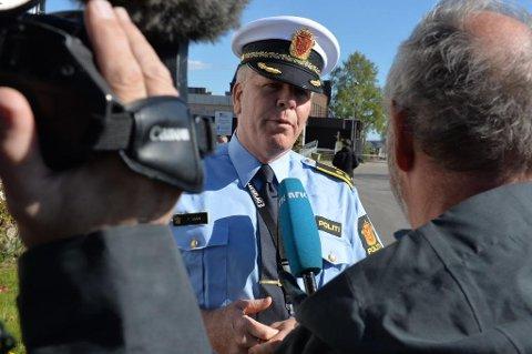 Politiets ordenssjef, Frank Gran, holdt pressen løpende orientert mandag ettermidag.