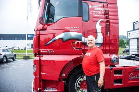 Trofast: Gunnar Eftedal har kjørt lastebil i 35 år, og for Gustavsen Transport AS i 26 år.