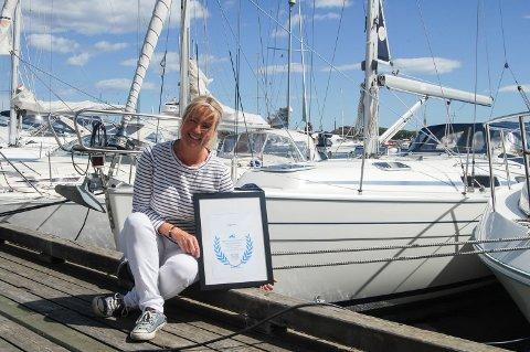 Havnevert: Inger Kristine Grønvold ble kåret til Årets Havnevert i 2015, og håper på ny rekord på antall besøkende båtgjester i år.