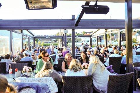 STREKMUNN: Skotta Brygge restaurant fikk strekmunn da Mattilsynet var på besøk blant annet på grunn av dårlig renhold under benker.