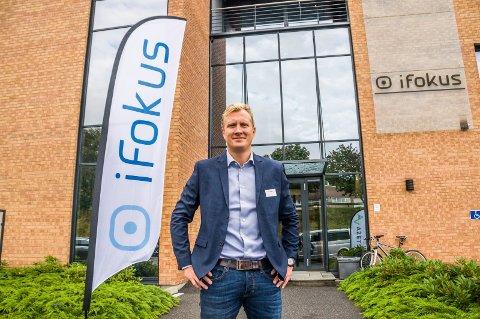 STOR PÅGANG: Kjetil Henrik Kristiansen, daglig leder for arbeidsinkludering ved iFokus, opplyser at de hadde hele 152 søkere til stillingene som jobbkonsulenter.