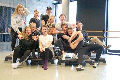 GREASE: Det har vært mye øving til Grease for musikk-og danseelevene ved Thor Heyerdahl VGS.