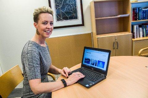 LAGER NYE NETTSIDER: Våre nye hjemmesider blir lekre og intuitive og mye lettere å navigere i for våre innbyggere, lover kommunikasjonsrådgiver Hildegunn Riksfjord.