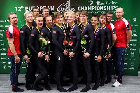 BRONSE: Herre senior med 3.plass og bronsemedalje. Stag-turner Sondre Thorstein foran nummer fire fra venstre.