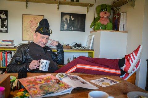 DESIGNER: Jan Walaker har designet flere magasiner i sin karriere, nå gir han ut magasinet Larvik.