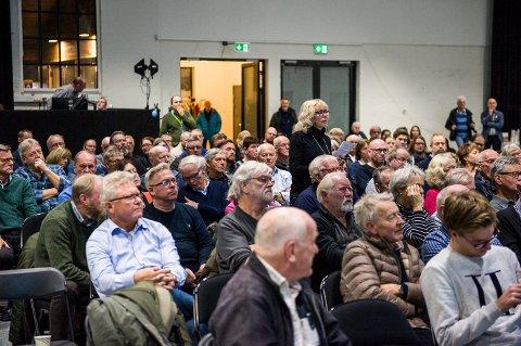 JERNBANE: Anna Hansen stilte også spørsmål på informasjonsmøtet i forrige uke.