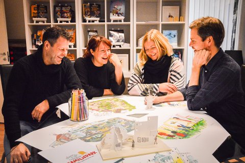 DRØMMEOPPDRAGET: De får tegne selve barndomsdrømmen, Lars Thorsen, Ingebjørg Faugstad Mæland, Ann-Kristin Lie og Hans Jørgen Sandnes i Sandnes Media.