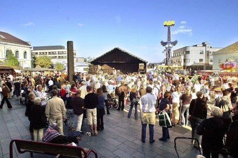 LÆRE: Gloria Odberg håper politikerne i Larvik kan lære av utviklingen i Kongsberg og Drammen, og gi byen vår en framtidsrettet løsning. (Arkivfoto)