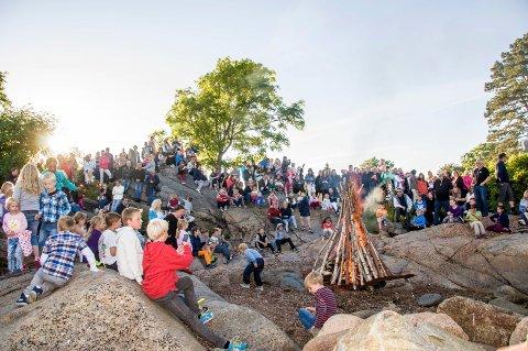 SANKTHANS PÅ TOLLERODDEN: Sankthans på Tollerodden er alltid en koselig folkefest. I år spiller Gisle Børge Styves Trio