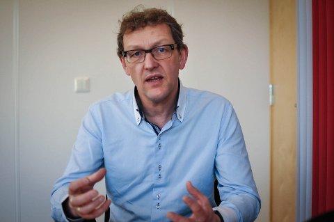 Leder Ulf Pedersen i NAV Larvik varslet mandag om oppsigelser og kutt i organisasjonen.