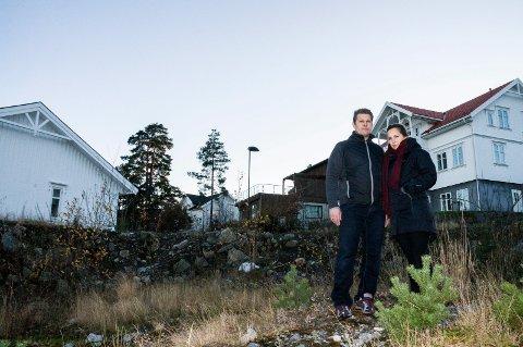 KASTET INN HÅNDKLEET: Mette og Øyvind Langerud fikk aldri bygget drømmehuset på Ra. Bildet er tatt høsten 2017.