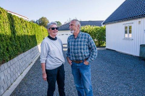 KONTRAKTEN BLE OPPHEVET: Tove Riiser-Larsen og Bjarne Borgersen er glade for at Telenor har ombestemt seg.