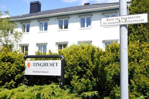 DØMT FOR VOLD: En kvinne fra Sandefjord er dømt for vold mot sin samboer fra Larvik. Saken gikk i Sandefjord tinghus. Arkivfoto: Sigurd Øie