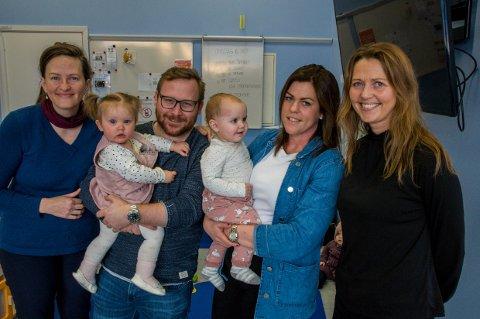 VIKTIG TILBUD: Foreldre er redde for at de mister tilbudet Åpen barnehage, som i dag gjør overgangen til vanlig barnehage enklere. Fra venstre: Lena Våtvik, Tommy Grinden, Caroline Kjær og Elisabeth Hellerdal.
